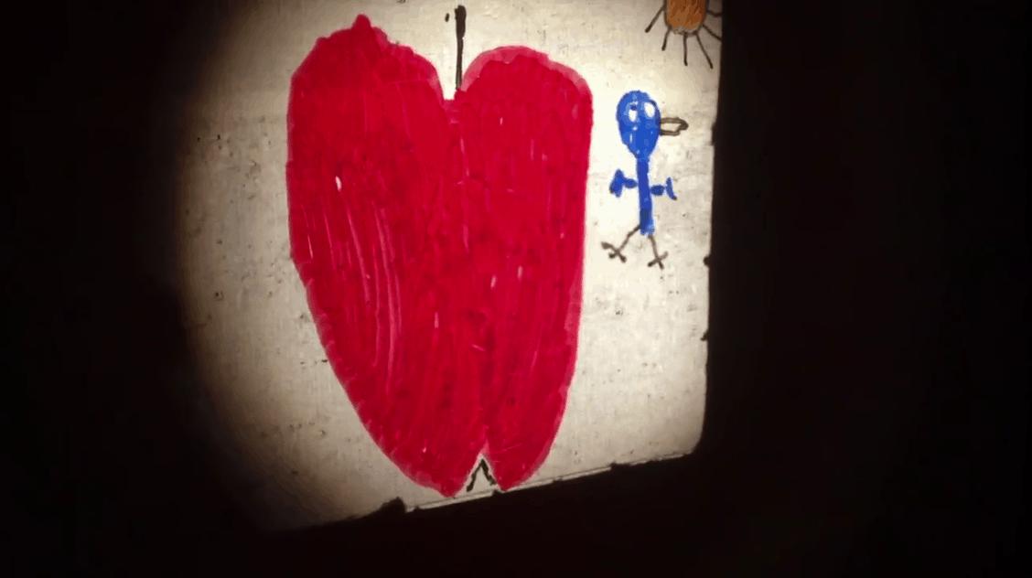 Projection de vues lumineuses dessinées sur rodoïd par les enfants