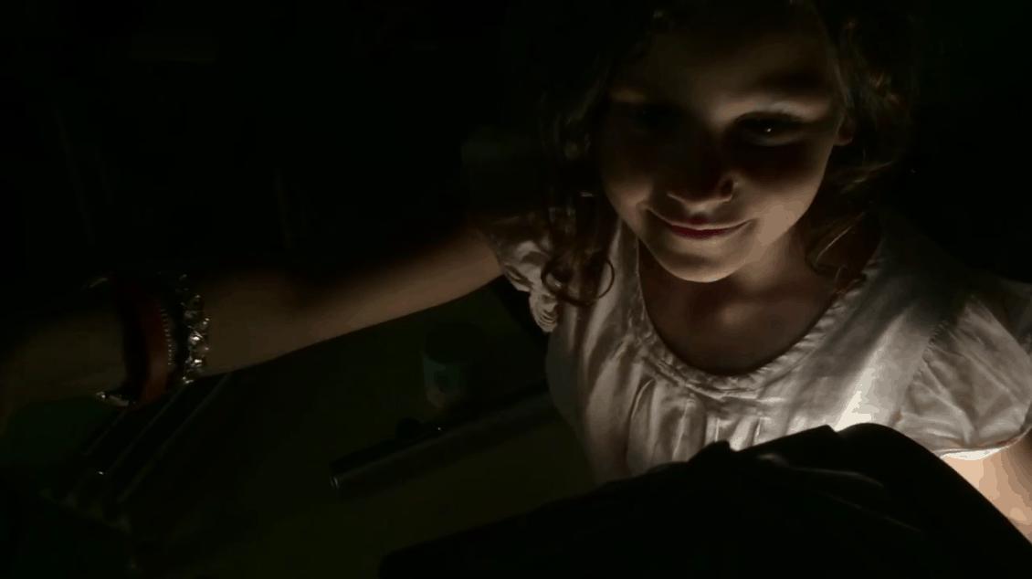 Petite lanterniste projetant à la Lanterne Magique